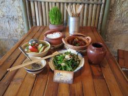 Com Bac Ca Restaurant