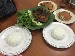 Ayam Bakar Taliwang Setrasari