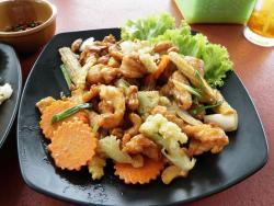 Laem Ka Noi Seafood Restaurant