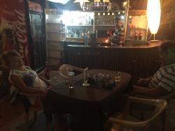 Shanti Gossip Tree Bar & Restaurant