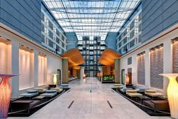 Lobby Hilton Frankfurt Airport
