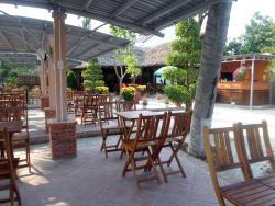 Moc Lan Cafe