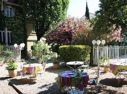 restaurant dans le jardin