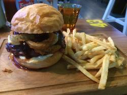 Andy's Burgers & Bar