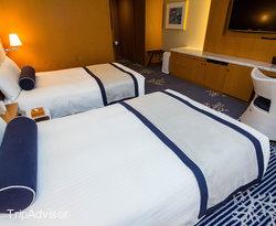 The Bay Club Floor Twin Room at The Yokohama Bay Hotel Tokyu