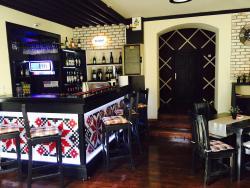 Road House Pub