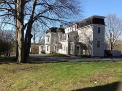Gilmor Sloane House - Stony Point Center