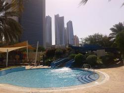 Ottimo hotel con spiaggia privata