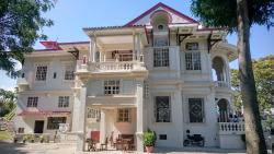 The Molo Mansion