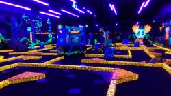‪Monster Mini Golf‬