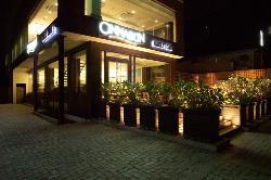 Cinnabon Bakery Cafe