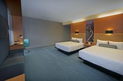 Aloft Double Queen Room