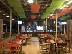ร้านอาหาร คอมโบ 3