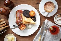 Breakfast at The Bull & Swan