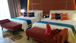big room with nice bed