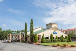 Days Inn & Suites Norcross