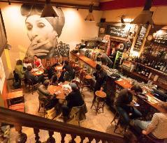 Kiado Pub