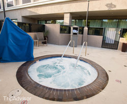 Jacuzzi at the Pool at the Holiday Inn Express Los Angeles-LAX Airport