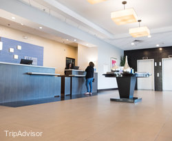 Front Desk at the Holiday Inn Express Los Angeles-LAX Airport