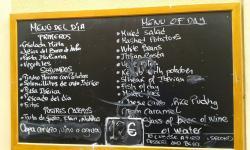 Correctisima atención y menu