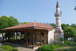 Moscheea Esmahan Sultan