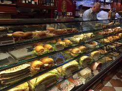É difícil escolher o que comer, tamanha a variedade de sabores!