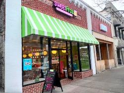 Sweet Frog Frozen Yogurt - Chapel Hill