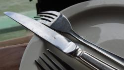 food remainders on cutlery