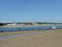 งานเทศกาลริมฝั่งแม่น้ำไรน์ ดุสเซลดอร์ฟ
