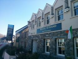 White Strand Bar & Restaurant