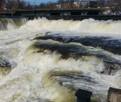 Grand Falls on Mississippi