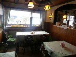 Restaurant & Cafe Berghuesli