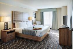 Pomeroy Inn & Suites Vermilion
