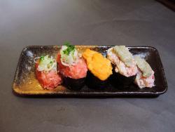 Sushi-Go-Round (Kaitensushi) Edokko