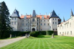 Zleby Castle