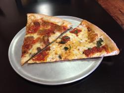 Nonnos Pizzeria