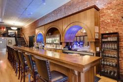 The Oaks Wine Bar