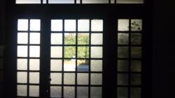 印象的な玄関扉