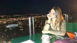 Disfrutando de la hermosa vista que ofrece Montebello