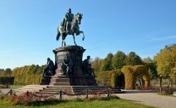 Reiterstandbild Friedrich Franz II
