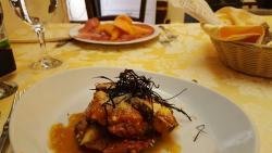 Antipasti-Vorapeise mit Aubergine, Mozzarella und Parmesan