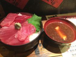 Standing Sushi Horumon Shinsenya