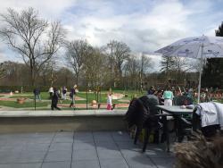 Parc Attractif Reine Fabiola