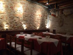 Taverna To Mavreli