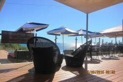 Local para uma pequena refeição, para um drink ou simplesmente relaxar....