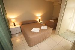 Rix Hotel / Motel