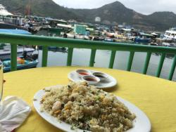 Enjoyed a nice seat next to water. Seafood is fresh and well prepared. Better than Sai Kung in o