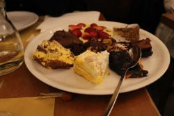 piatto di dessert misti