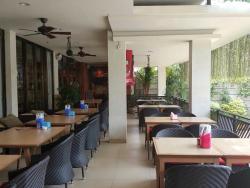 Bhinneka Padang Restaurant