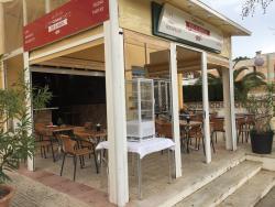 Eri & Nhoa Cafe